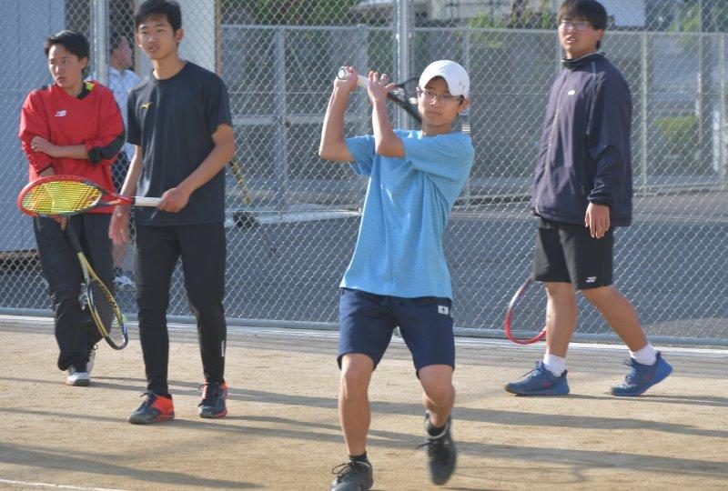 硬式テニス部の活動の様子